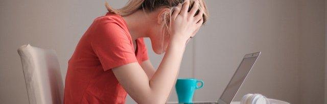 Anna Buzzoni // Cortisolo e progesterone. Come la ciclicità previene e cura lo stress, anche quello premestruale