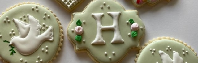 Piped Lace & Monogram Cookies, Instructor: Renata Galatti