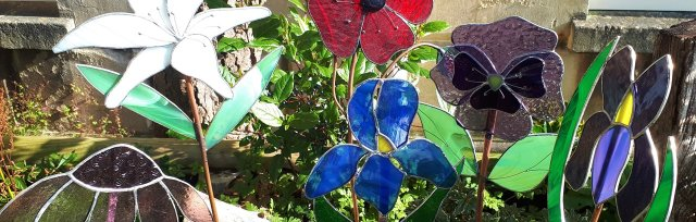 Stained Glass Garden Flowers with Caroline Lambert - £74