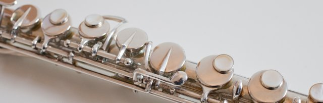 Low Flutes Sessions with Carla Rees