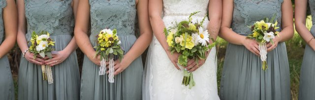 DIY wedding flowers: posies and buttonholes